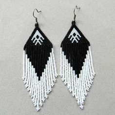 Beaded earrings with fringe. Black and White seed bead earrings. My original design. Earrings made of Japanese seed beads. Measurements: Length -10