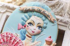 #icing #icingcookies #cookies #cookieart #decoratedcookies #customcookies #cookieclass #royalicing #royalicingart #handpainted #handpaintedcookies #icingcookies #cookieclass #QueenMary #marieantoinette