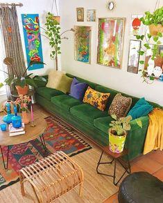 40 Cozy Stylish Bohemian Home Decor Ideas boho decor ideas 40 Cozy Stylish Bohemian Home Decor Ideas Boho Living Room, Living Room Decor, Bedroom Decor, Bohemian House, Bohemian Decor, Modern Bohemian, Bohemian Style, Deco Retro, Green Sofa