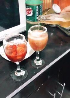 Summer Drink Recipes, Easy Drink Recipes, Alcohol Drink Recipes, Summer Drinks, Cocktail Recipes, Bar Drinks, Alcoholic Drinks, Happy Drink, Christmas Drinks