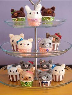 Kitty Cupcake Amigurumi - FREE Crochet Pattern and Tutorial by Susie StuffSusieMade: