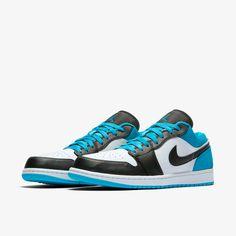 Air Jordan 1 Low SE Erkek Ayakkabısı. Nike TR Air Jordan Sneakers, Girls Sneakers, Jordan Shoes, Jordans Sneakers, Sneakers Fashion, Nike Jordan 13, Jordan 1 Low, Air Jordans, Jordans For Men
