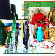 "Gefällt 553 Mal, 21 Kommentare - Eddie Ross (@eddieross) auf Instagram: ""A more-is-more moment on my grandparents dresser that I inherited. A collection of my obelisks and…"""