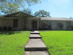 517 ANGEL FIRE DR, Hewitt, TX 76643 Gorgeous 3 bedroom, 2 bath home with updated kitchen. Granite counters, open floor plan, raised ceilings and big privacy fenced yard. Side entry garage. Don't miss out on this home in the Midway ISD school district!