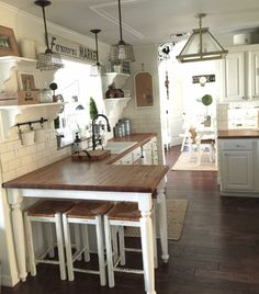 48 Top Farmhouse Kitchen Design Decor Ideas - Küche - Home Decor Farmhouse Style Kitchen, New Kitchen, Island Kitchen, Farmhouse Ideas, Farmhouse Kitchens, Awesome Kitchen, Rustic Farmhouse, Farmhouse Remodel, Kitchen Rustic