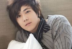 so sexy Lee Hong-gi is a South Korean idol singer and actor. He is the lead vocalist of the Korean pop/rock band F. Ft Island, Korean Entertainment, Fnc Entertainment, Gwangju, Korean Music, Korean Drama, Asian Actors, Korean Actors, Korean Idols