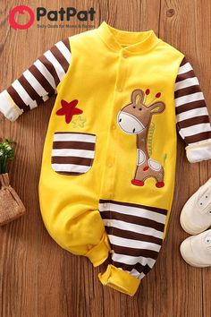 Don't know how to dress your baby? PatPat is your best choice ! Baby Giraffe Pocket Design Jumpsuit~ Stylish and comfortable~ Your baby should have one~ TOP 10 BABY CLOTHES IN 2019 Marion Heinrich-Pilz heinrichpilz kaufidee Baby Baby Baby Oh, Cute Baby Boy, Baby Outfits Newborn, Baby Boy Outfits, Kids Outfits, Wiedergeborene Babys, Cute Girl Dresses, Baby Kids Clothes, Matching Family Outfits