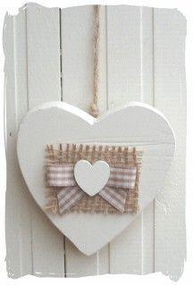 Corazón de madera con mini corazón                              …