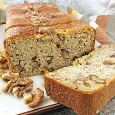 - This banana and nut sponge cake can be served hot, mild or lightly toasted, with melted butter or a strand of honey. Sweet Recipes, Cake Recipes, Cooking Time, Cooking Recipes, Pan Dulce, Pastry Cake, Sweet Bread, Pain, Muffins