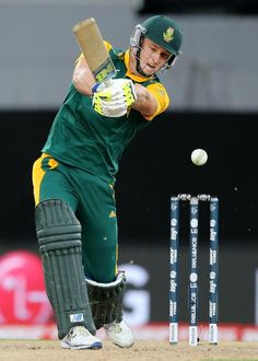 South Africa's David Miller plays a shot while batting against New Zealand during their Cricket World Cup semifinal in Auckland, New Zealand (600×841)