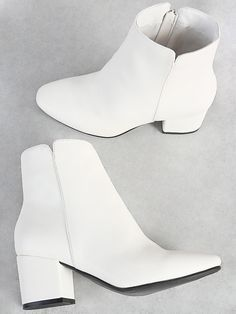 White Heel Boots, Heeled Boots, White Leather Boots, Leather Booties, Black Leather, Fashion Heels, Fashion Boots, Chelsea Ankle Boots, Block Heel Boots