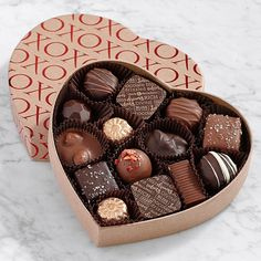 Send chocolate covered strawberries & other chocolate dipped fruit treats delivered from Shari's Berries. Over 175 million berries sold! Chocolate Pancakes, Chocolate Sweets, Love Chocolate, Chocolate Gifts, Chocolate Coffee, Chocolate Dipped Strawberries, Chocolate Covered Strawberries, Chocolate Lovers Quotes, Chocolate Wrapping