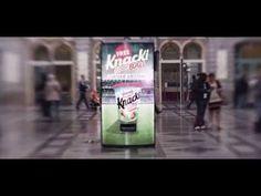 El campo de fútbol más pequeño del mundo está dentro de una vending machine