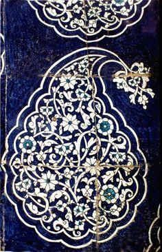 Tash-hauli Palace, Ishrat-hauli, photography: Erdinç Bakla (1994) Turkish Tiles, Turkish Art, Textile Patterns, Embroidery Patterns, Crazy Quilt Blocks, Swirl Design, Art Graphique, Tile Art, Islamic Art