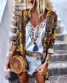 Bohemian lifestyle and boho style fashion boho chic style удобная мода, мод Boho Summer Outfits, Boho Fashion Summer, Look Fashion, Womens Fashion, Ibiza Fashion, Summer Clothes, Hippie Chic Outfits, Fashion Design, Mode Hippie