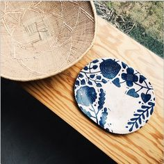 blue and white Ceramic Plates, Ceramic Art, Earthenware, Stoneware, Pottery Painting, Pottery Clay, Kagoshima, Oriental Decor, Plates And Bowls