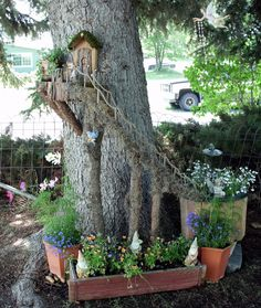 Have you ever seen a fairy garden? It is a miniature garden, a small magical world you can create in a flower pot or garden bed. This project is fun for the whole family. A fairy garden is a combination of a mini garden and an outdoor doll house. Mini Fairy Garden, Fairy Garden Houses, Diy Garden, Gnome Garden, Dream Garden, Fairy Gardening, Fairy Tree Houses, Fairy Village, Fairies Garden