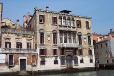Palazzo Gussoni Grimani della Vida -- Grand Canal, Venice, Italy #education #travel Italy Art, Italy Italy, Grand Canal Venice, Venice Italy, Italy Travel, Time Travel, Places To Visit, Tours, 15th Century