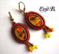 Boucles d'oreilles Fleurs rouge,orange, or fleuries,romantiques, broderie de perles, dormeuses : Boucles d'oreille par enji-b