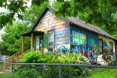 Exterior Paint Schemes on the Wacky Side | HouseLogic Painting Tips
