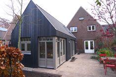 Bijhuis in Lochem – Lot Architectuur zwart gebeitst wrc ( western red cedar)