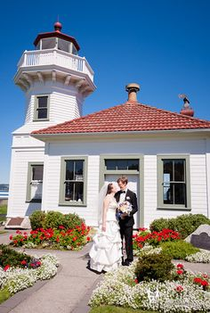 Lazzat Photography   North West Seattle-Tacoma Beach Wedding   Baby Blue Seashells Corrals   Bride & Groom Summer Outdoor Portrait Session Mukilteo Lighthouse