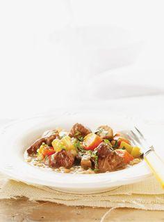 Ricardo& Recipe : Beef, Vegetable and Barley Stew Rib Roast Recipe, Roast Recipes, Slow Cooker Recipes, Crockpot Recipes, Cooking Recipes, Barley Stew Recipe, Ricardo Recipe, Confort Food, Lunch Meal Prep