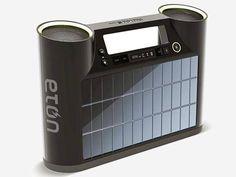 Som portátil com bluetooth e energia solar.