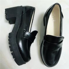 Cos Shoes, Me Too Shoes, Women's Shoes, Swag Shoes, Funky Shoes, Aesthetic Shoes, Moda Vintage, Pretty Shoes, Dream Shoes