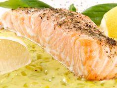 Pavé de saumon sur son lit de poireaux : Recette de Pavé de saumon sur son lit de poireaux - Marmiton