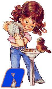 Alfabeto animado de nena dando de comer a un pajarito.