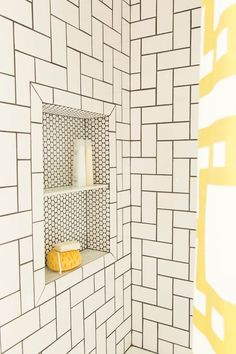 Retro Styles Uptown Savvy Retro Style Studio Tiling - Nested L pattern, white subway tile with black grout - Looking for shower tile ideas for your bathroom? Here we've collected 31 stunning shower tile ideas to help you decorating your bathroom. Bathroom Renos, Master Bathroom, Bathroom Ideas, Bathroom Makeovers, Bathroom Designs, Bathrooms Decor, Eclectic Bathroom, Master Baths, Master Shower
