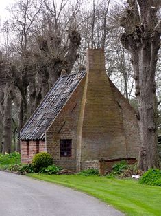 Bakhuis, 't Zandt, Alberdaheerd, Groningen. This Old House, House In The Woods, Little Houses, Amazing Architecture, Farm Life, Country Life, Old Houses, Netherlands, Holland