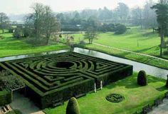 Labyrinth at Hever Castle (added to grounds by William Waldorf Astor btwn 1904-1908)