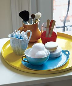 It is possible to keep toiletries looking neat on a bathroom countertop, with the aid of odds and ends like unused, mismatched serving piece. Bathroom Organization, Organization Hacks, Bathroom Ideas, Bathroom Stuff, Bathroom Storage, Organization Ideas, Bathroom Tray, Bathroom Updates, Closet Storage