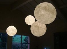 Inspired by aerospace and galactic stuff, Design Ocilunam has designed giant pendant moon light with name Luna globe pendant light. this giant globe pendant can be a beautiful lighting decoration in your room Deco Luminaire, Luminaire Design, Lamp Design, Moon Globe, Globe Pendant Light, Pendant Lights, Pendant Lamps, Chandelier Lamp, White Lanterns