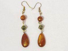 Vintage Jewelry Lucite Bead Dangle earrings by wandajewelry2013