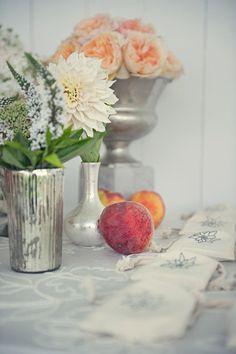 It's a peach-themed wedding - *le sigh* so dreamy.