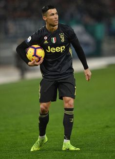 ROME, ITALY - JANUARY Cristiano Ronaldo of Juventus prepares to kick the penalty during the Serie A match between SS Lazio and Juventus at Stadio Olimpico on January 2019 in Rome, Italy. (Photo by Giuseppe Bellini/Getty Images) Cristiano Ronaldo Cr7, Cristino Ronaldo, Cristiano Ronaldo Wallpapers, Cr7 Juventus, Juventus Players, Goals Football, Football Players, Kicks, January 27