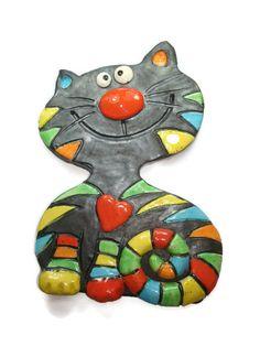 Chat en céramique émaillé en  multicolore, à la manière d'une mosaïque