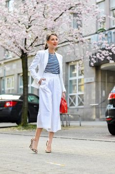 Outfit / Look / Fashion / White / Culottes / Stripes / Striped / Shirt / leopard / print / heels / Pumps / Valentino / cute / red / bag / Frühling / spring / Trend / Streetstyle / Blog / Blogger / Cherry / Blossoms / maritime / clean / feminine / Style