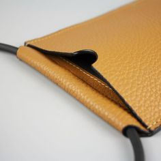 Leather Crossbody Bag, Leather Wallet, Pochette Portable, Iphone 8, Iphone Cases, Little Backpacks, Iphone Leather Case, Diy Handbag, Mini Purse
