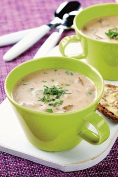 Sienikeitto | K-ruoka #kasvisruoka Motion, Cheeseburger Chowder, Finland, Soup Recipes, Soups, Pets, Food, Eten, Soup