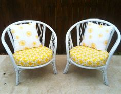    Desert Lily Vintage    Love the yellow sun chairs