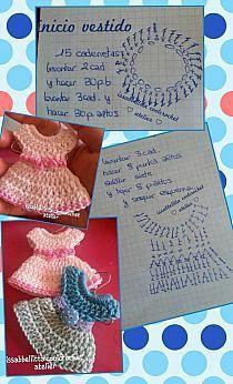 Ideas for crochet baby shower souvenirs love Change Colors In Crochet, Love Crochet, Beautiful Crochet, Crochet Baby, Crochet Doll Dress, Crochet Doll Clothes, Crochet Headband Pattern, Afghan Crochet Patterns, Crochet Keychain