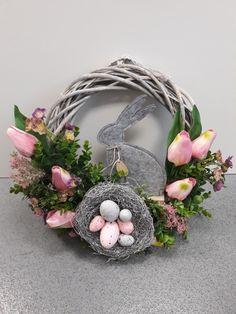 MyLittleAtelier Kilcock Ireland Grapevine Wreath, Burlap Wreath, Easter Crafts, Easter Decor, Summer Wreath, Grape Vines, Ireland, Diy And Crafts, Beautiful Pictures
