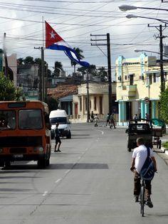 Street scene in Pinar del Río, Cuba. Photo taken by Brian Kaylor during a trip for the COEBAC's 40th anniversary celebration at Iglesia Bautista Enmanuel (Emmanuel Baptist Church) in Ciego de Ávila, Cuba.