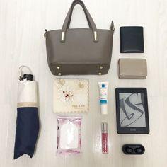 【2019夏】ミニマリストの休日用の小さいバッグ中身公開【30代女性】 | クリアリストドットコム What In My Bag, What's In Your Bag, What's In My Purse, You Bag, My Bags, Mini Bag, Really Cool Stuff, Told You So, Minimalist