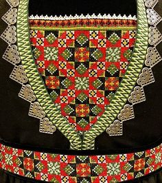 Bunad og Stakkastovo AS Afghan Clothes, Star Patterns, Folklore, Time Travel, Embroidery Patterns, Norway, Diy And Crafts, Weaving, Scrappy Quilts