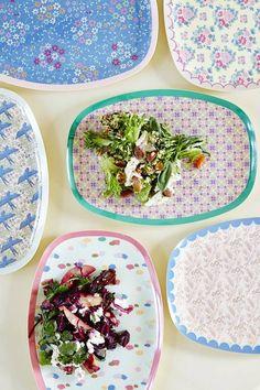 Mooi bord van melamine met tegelprint uit de Stay Outstanding collectie van RiceAfm. Ook leuk te gebruiken als klein dienblad.